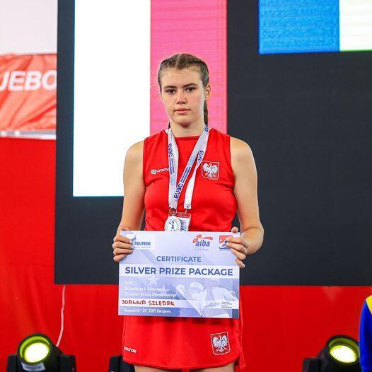 Gratulacje dla Joasi Szlędak i trenerów